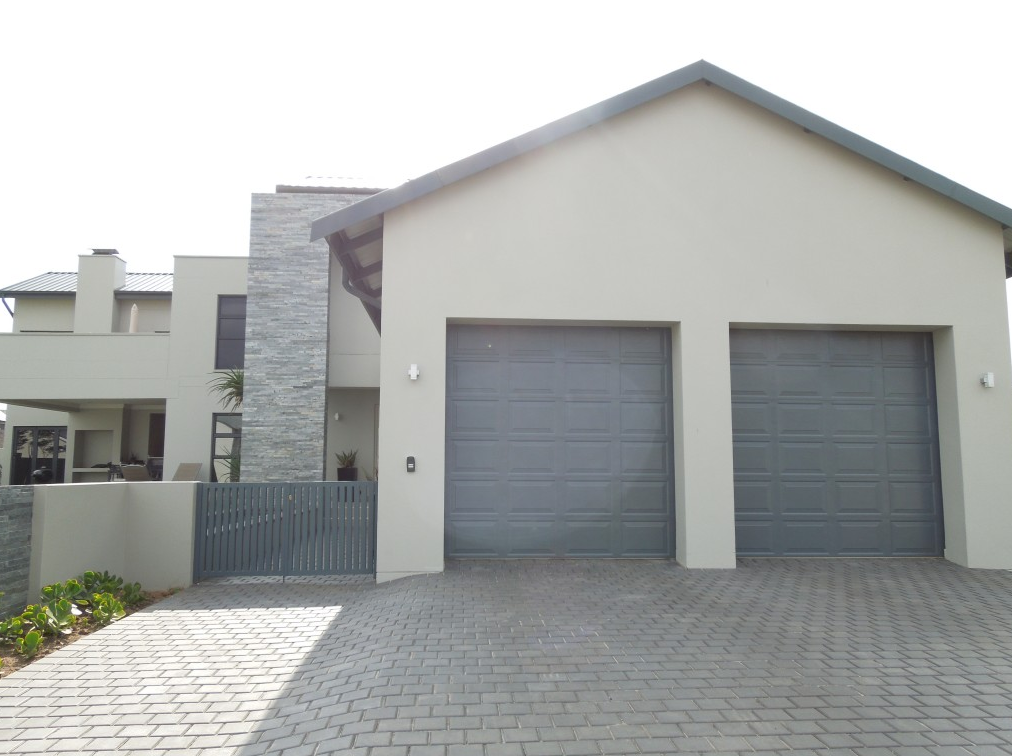 single-alu-zink-garage-door-installed-no-motor